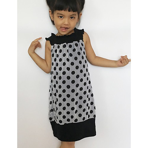 Small black and white chiffon skirt wave point of the girls